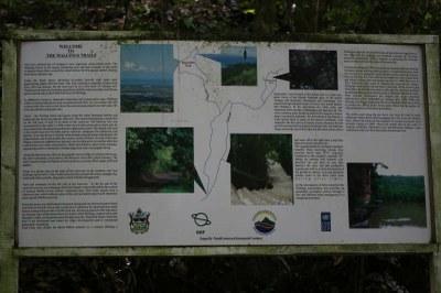 Informationstafel zu den Wanderwegen
