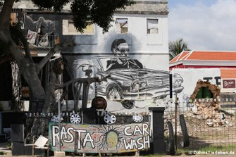 Street Art in Willemstad: Rasta Car Wash