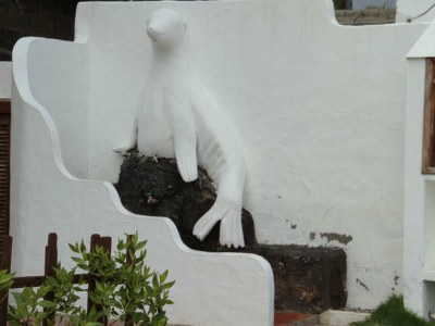 Fassade eines Hauses auf Isabela
