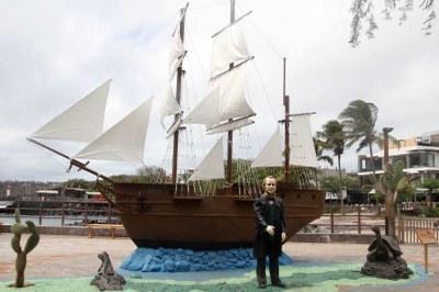Darwin und die HMS Beagle auf San Cristóbal