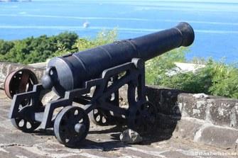 Eine Kanone auf Fort George