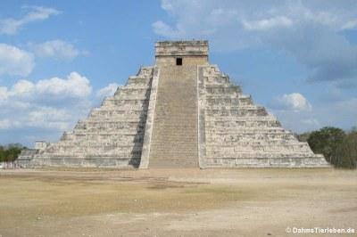 Die Pyramide des Kukulkàn (El Castillo)