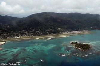 Blick auf den Seychelles International Airport, Mahé