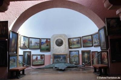 Apsis mit Gemälden zu Parsifal
